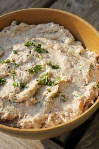 Rillettes de thon à la ricotta, ciboulette, piment d'espelette et persil