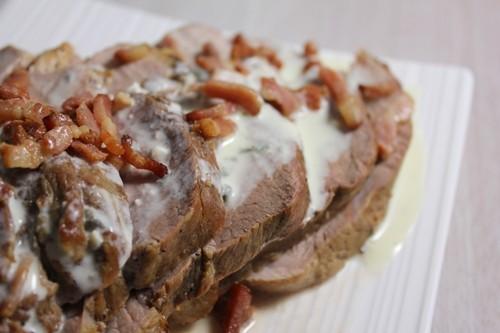 Rôti de porc sauce au Bleu d'Auvergne et petits lardons
