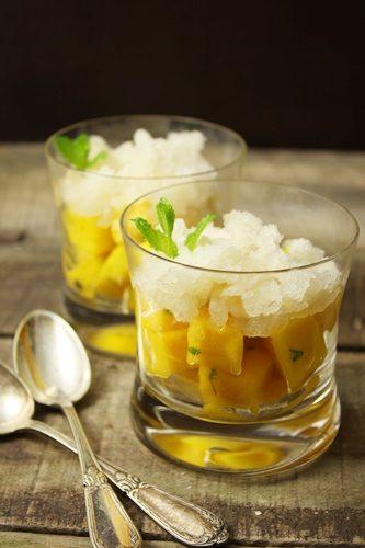 Salade de mangue à la menthe et granité au champag