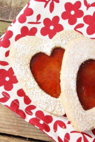 Sablés fourrés à la confiture de fraises de martha stewart