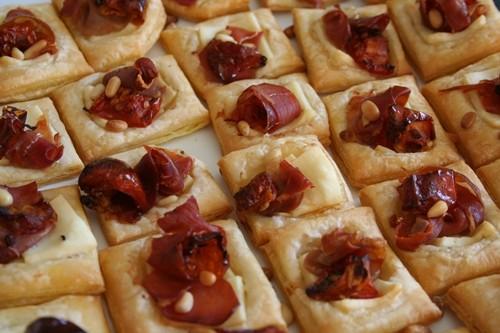 Petits feuilletés italiens à l'huile de truffe noire