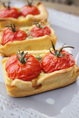 Petites tartelettes aux tomates cerise