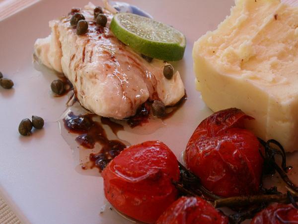 Filet de cabillaud citron vert-câpres et vinaigrette au gingembre