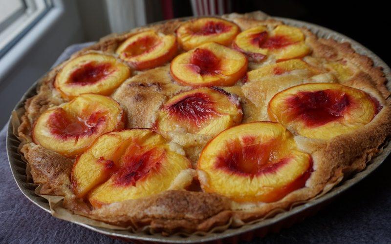 Tarte amandine aux abricots et nectarines