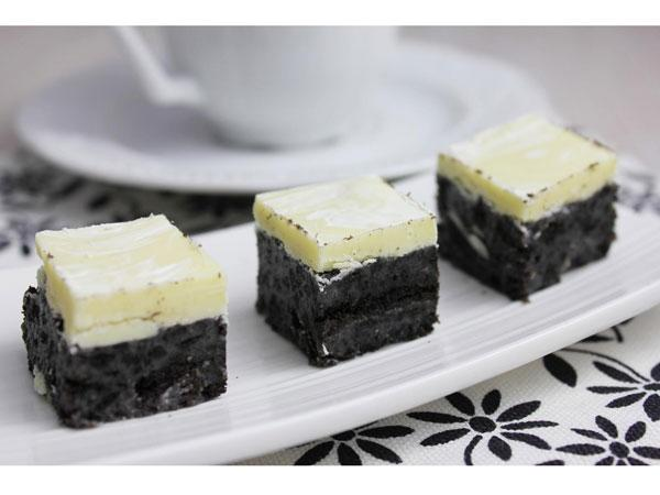 Bouchées à l'Oreo et couche de chocolat blanc