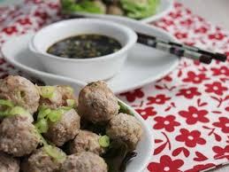 Boulettes de viande au gingembre et jeunes oignons et cuisson zéro calorie
