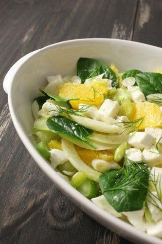 Salade au fenouil, orange, mozzarella, jeunes pousses d'épinard et aneth