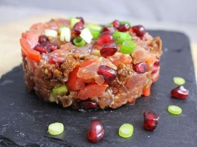 Tartare de thon rouge aux deux tomates et à la grenade