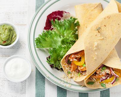 Fajitas poulet et légumes croquants