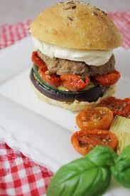 Hamburgers italiens avec pains burgers/burger buns maison