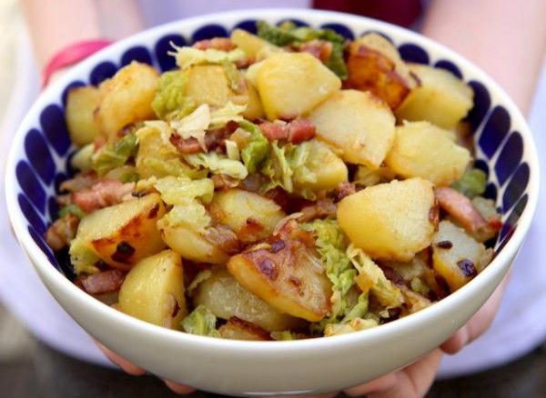 Pommes de terre rissolées et lardons de chorizo