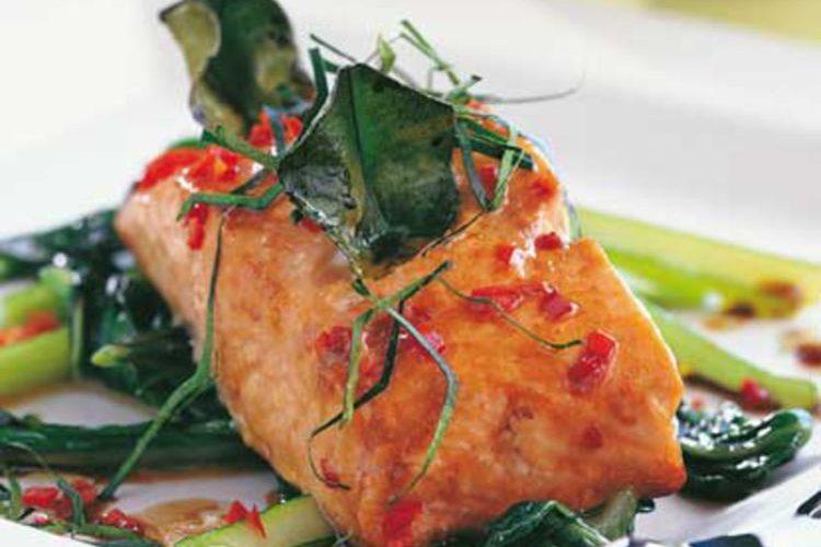 Pavé de saumon farci au feuilles de Kaffir