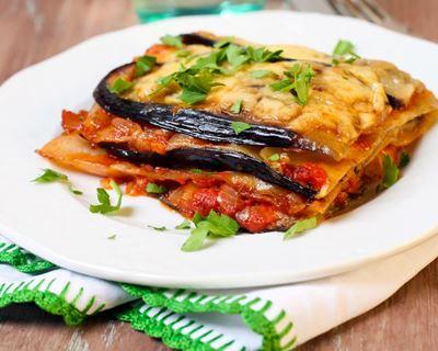 Lasagne aux légumes du sud grillés (courgettes, aubergines), tomates et basilic