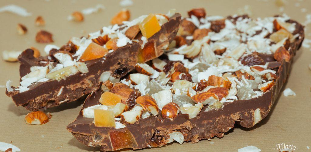 Plaquettes de chocolat aux fruits secs