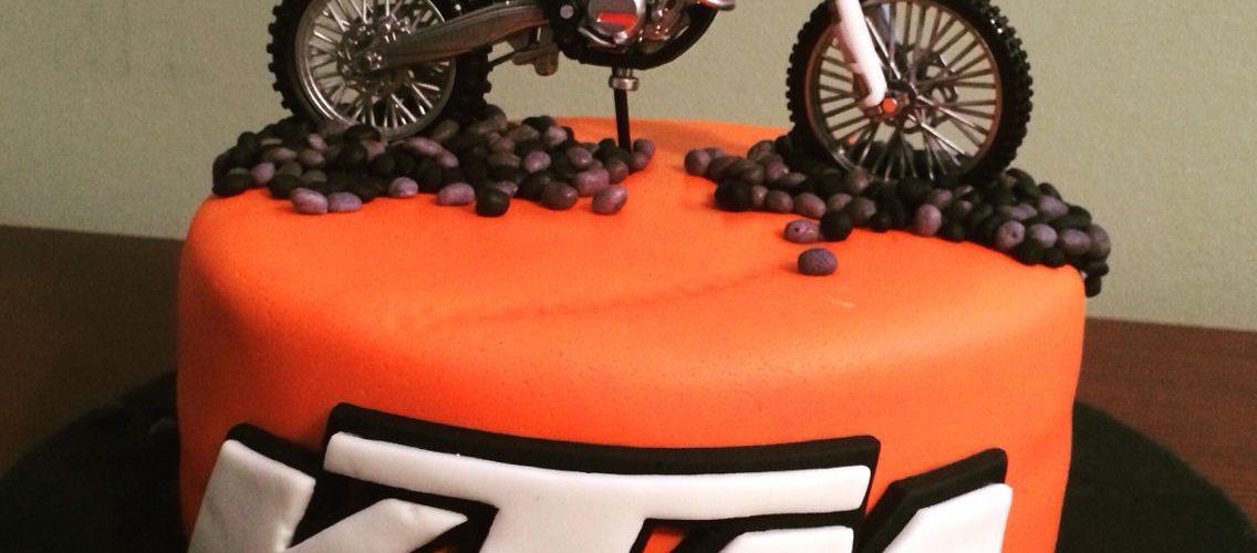 Gâteau d'anniversaire 'Moto'